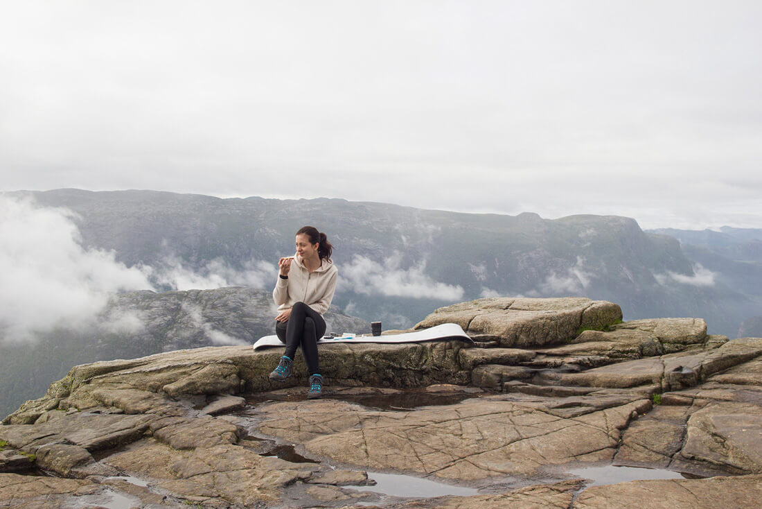 Norwegia, Preikestolen, sniadanie