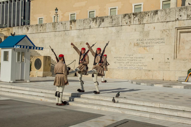 Grecja, zmiana warty pod parlamentem