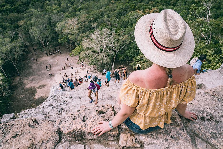 Strefy archeologiczne na Jukatanie: na szczycie piramidy w Coba