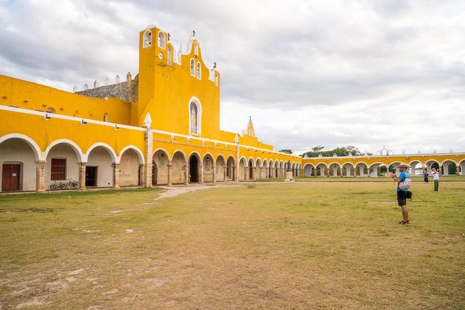 Meksyk, Jukatan, Izamal. Klasztor franciszkański Convento de San Antonio de Padua